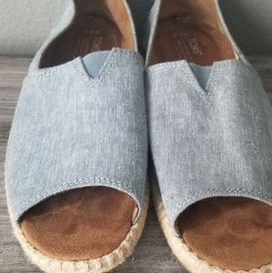 Toms open toe sandals